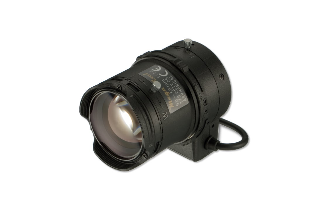 5 to 50 mm IR-Corrected CCTV Lens with DC Auto-Iris and CS-Mount