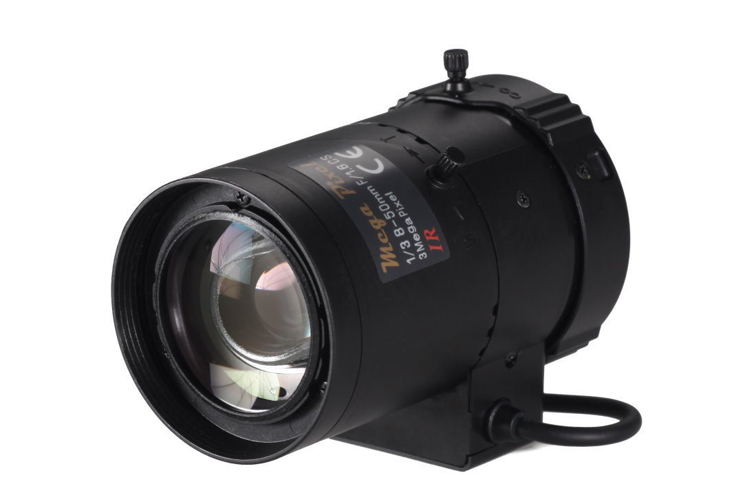 8 to 50 mm IR-Corrected CCTV Lens with DC Auto-Iris and CS-Mount