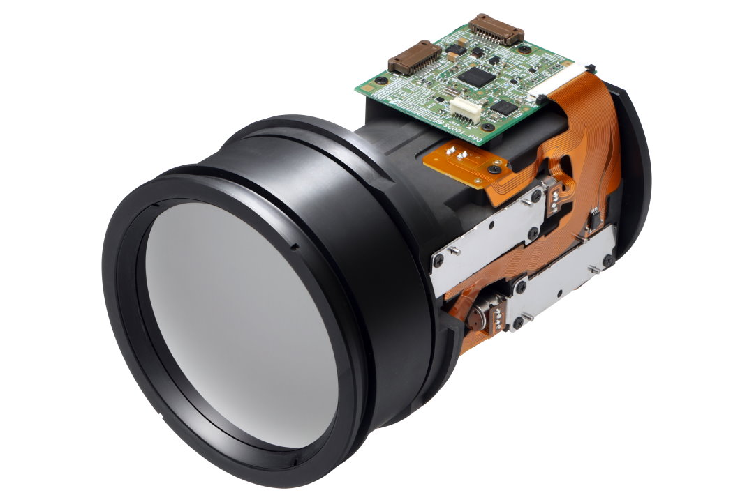 Long Wavelength Infrared lens with a focal length of 35-105mm